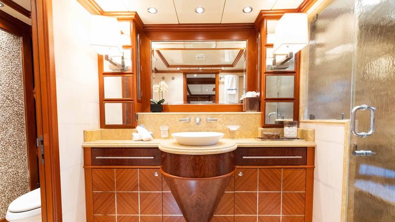 Guest Bath 2008 TRINITY Tri-Deck Motor Yacht 2672515