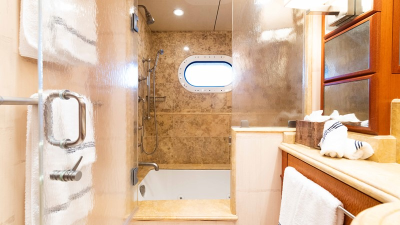 Guest Bath  2008 TRINITY Tri-Deck Motor Yacht 2672520