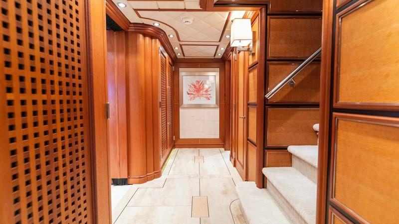 Guest Foyer 2008 TRINITY Tri-Deck Motor Yacht 2672526