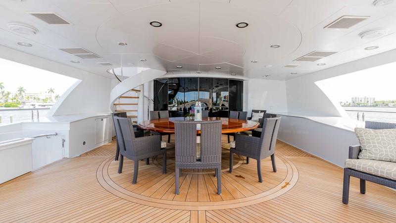 Upper Aft Deck Dining 2008 TRINITY Tri-Deck Motor Yacht 2672587