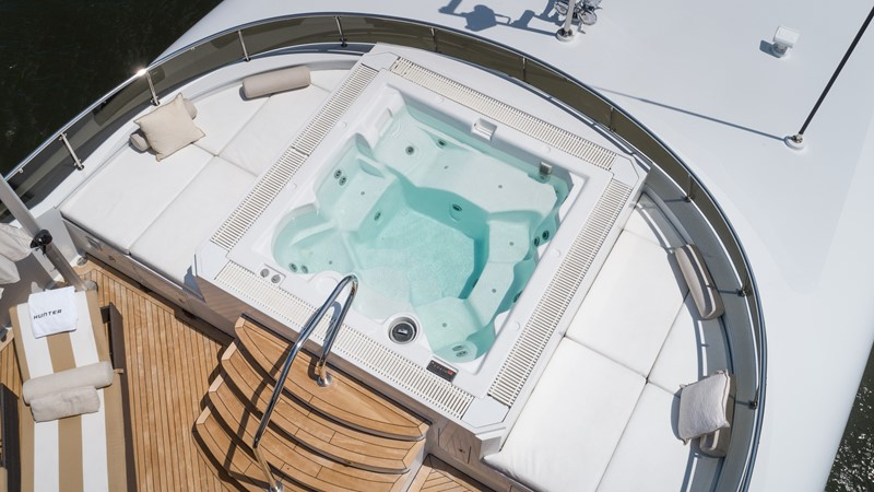 Sun Deck Jacuzzi 2008 TRINITY Tri-Deck Motor Yacht 2672706