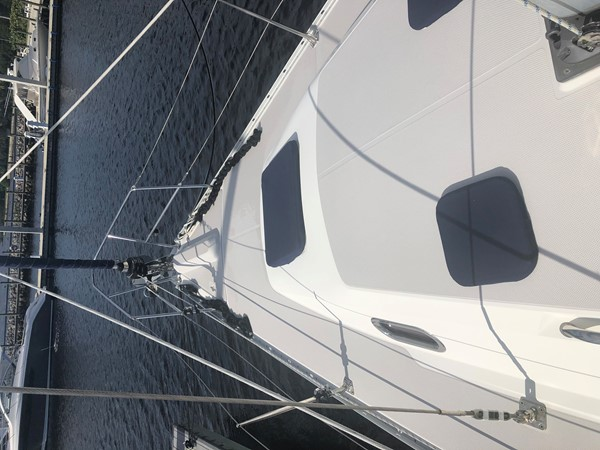 2010 CATALINA  Cruising/Racing Sailboat 2692922