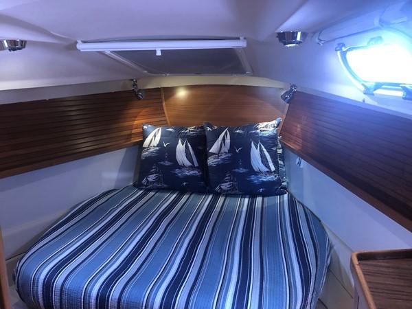 2010 CATALINA  Cruising/Racing Sailboat 2692923