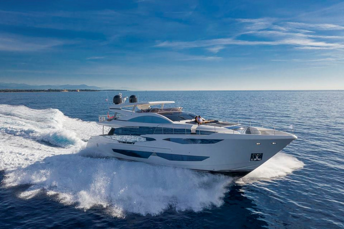 pearl-95-49 2020 PEARL MOTOR YACHTS Pearl 95 Motor Yacht 2737959