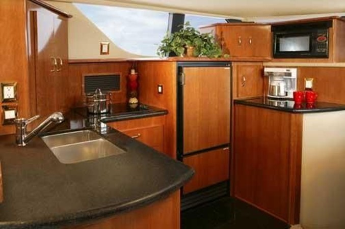 2006 CARVER  Motor Yacht 2671897