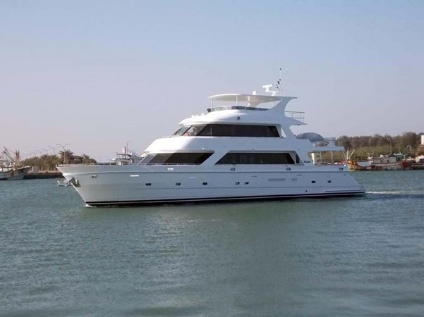 Port Profile 2020 PRESIDENT YACHTS 870 Tri Deck LRC Motor Yacht 2672568