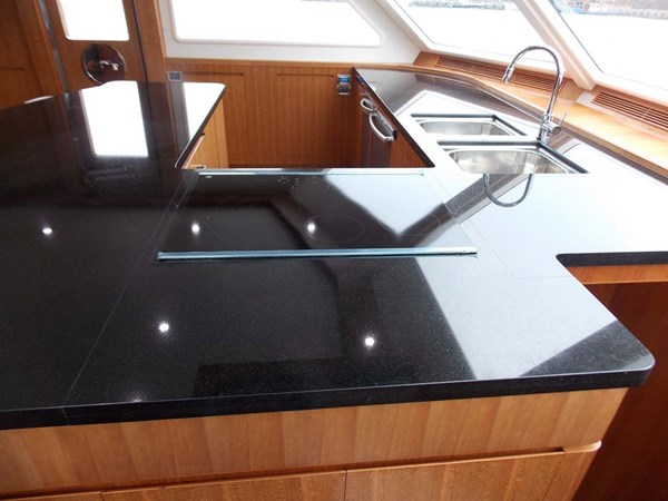 8bMarble Coutertop 2020 PRESIDENT YACHTS 870 Tri Deck LRC Motor Yacht 2775510