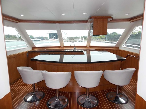 8fGalley and Pedestal Chairs 2020 PRESIDENT YACHTS 870 Tri Deck LRC Motor Yacht 2775515