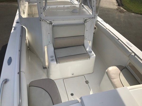 2004 JEFFERSON  Center Console 2673683