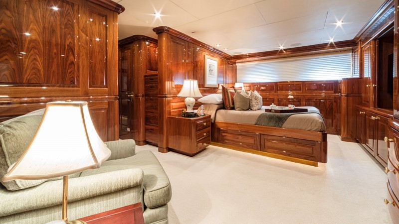 VIP STATEROOM  2001 CHRISTENSEN Tri Deck Motor Yacht  Motor Yacht 2673723