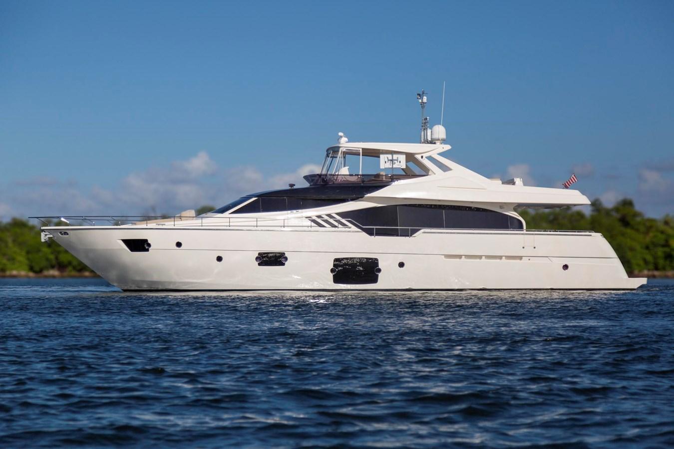 Profile  2013 FERRETTI YACHTS 870 FLYBRIDGE High Performance 2722107
