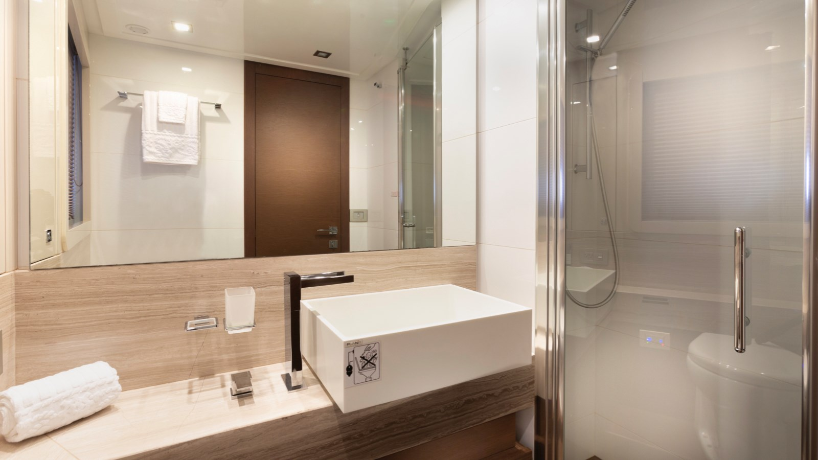 Guest Bathroom 2013 FERRETTI YACHTS 870 FLYBRIDGE High Performance 2732849