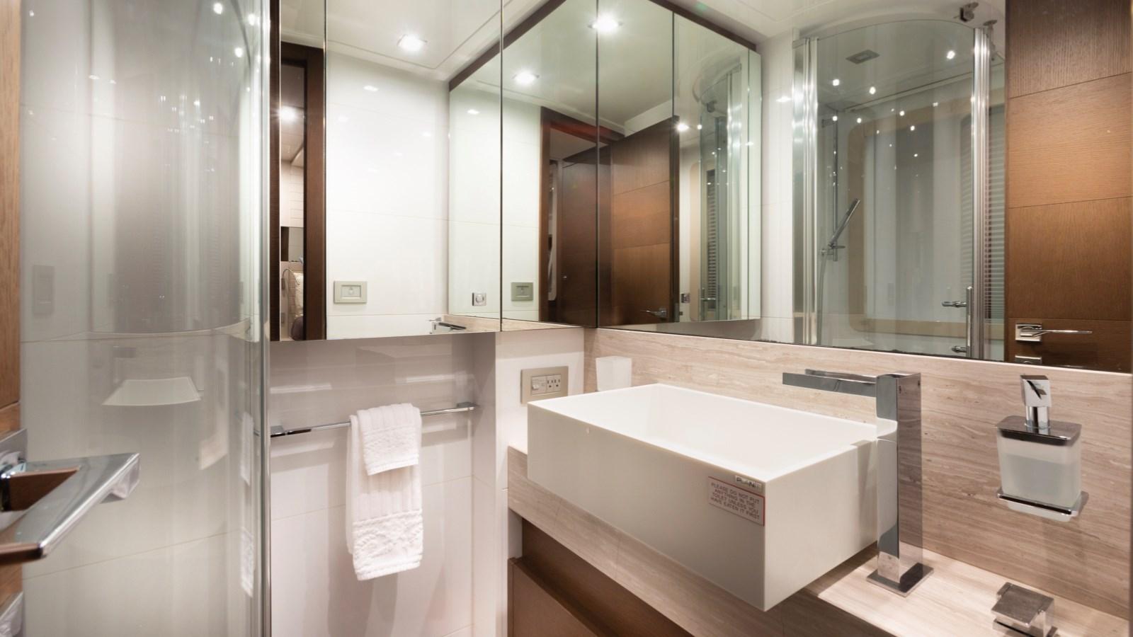 Guest Bathroom 2013 FERRETTI YACHTS 870 FLYBRIDGE High Performance 2732854