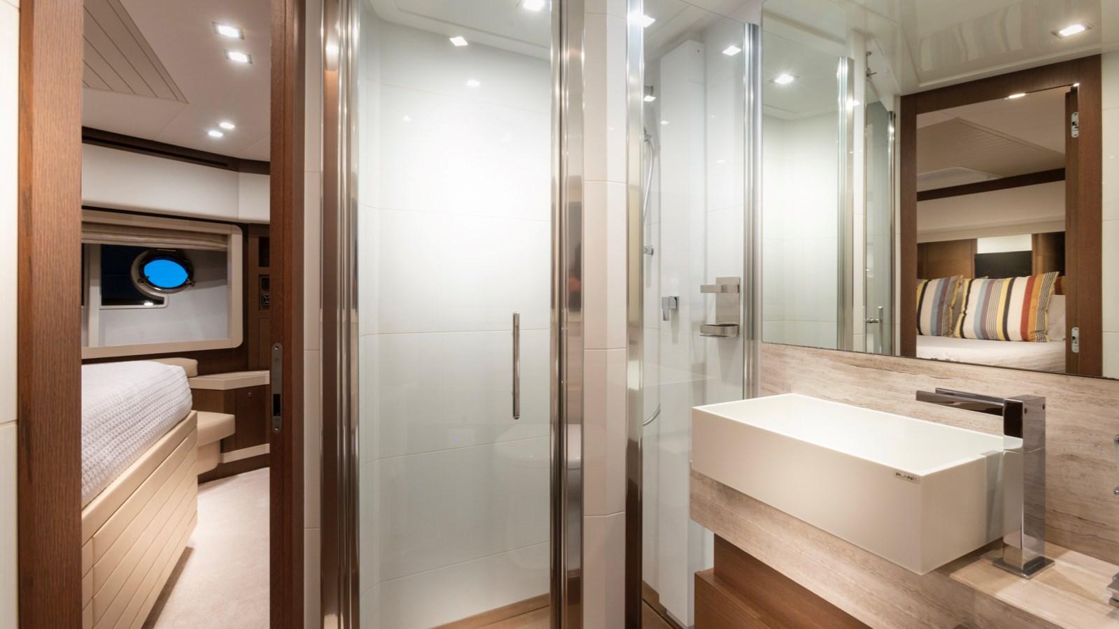 VIP Bathroom 2013 FERRETTI YACHTS 870 FLYBRIDGE High Performance 2732856