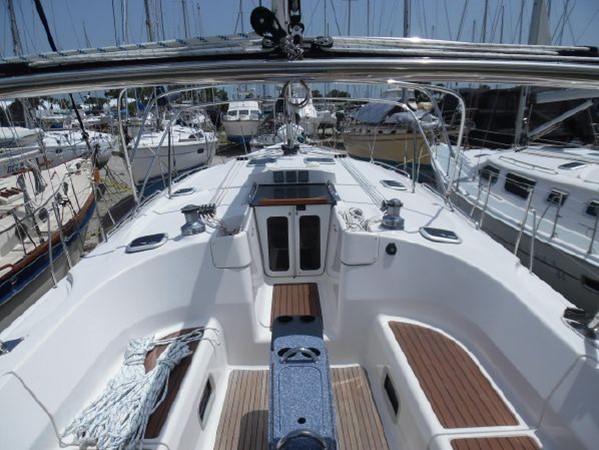 2009 HUNTER 50 Cruising Sailboat 2673828