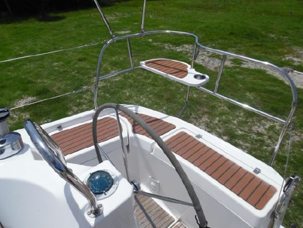 2009 HUNTER 50 Cruising Sailboat 2673831