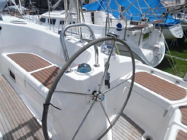 2009 HUNTER 50 Cruising Sailboat 2673833