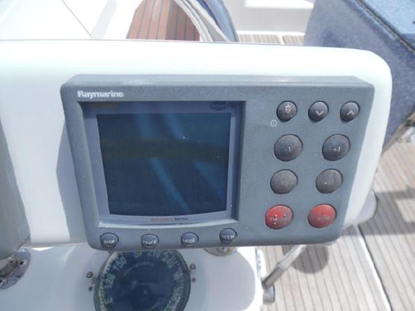 2009 HUNTER 50 Cruising Sailboat 2673835