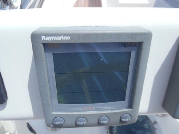 2009 HUNTER 50 Cruising Sailboat 2673836