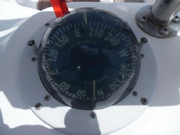 2009 HUNTER 50 Cruising Sailboat 2673838