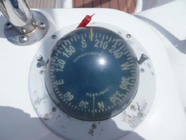 2009 HUNTER 50 Cruising Sailboat 2673839