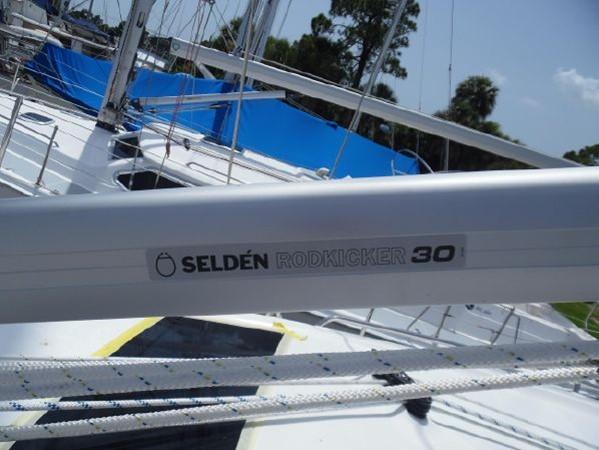 2009 HUNTER 50 Cruising Sailboat 2673850