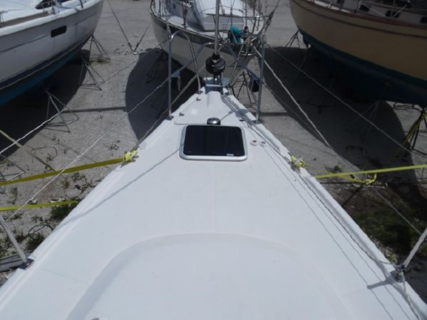 2009 HUNTER 50 Cruising Sailboat 2673853
