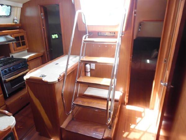2009 HUNTER 50 Cruising Sailboat 2673859