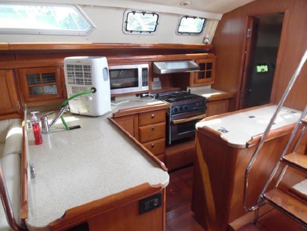 2009 HUNTER 50 Cruising Sailboat 2673860