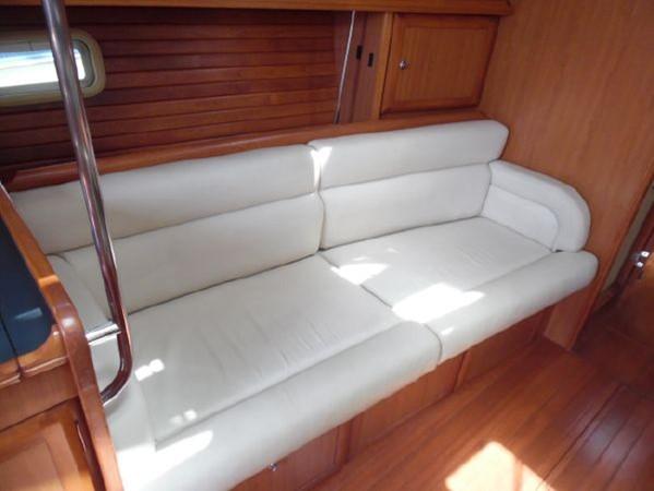 2009 HUNTER 50 Cruising Sailboat 2673862