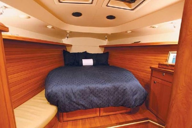 2009 HUNTER 50 Cruising Sailboat 2673895
