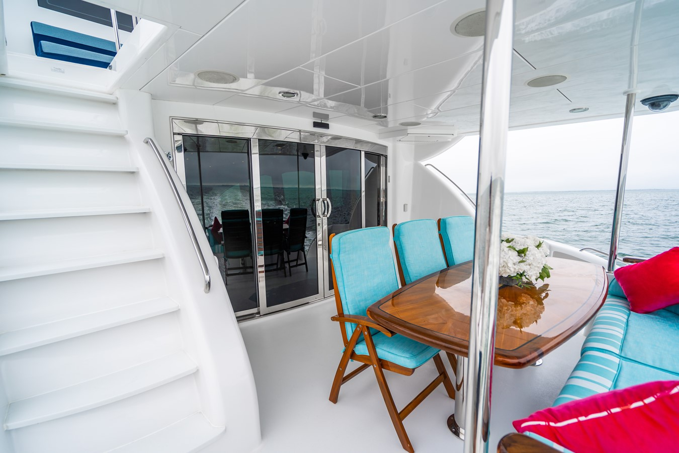 2011 HATTERAS Enclosed Bridge Motor Yacht 2678252
