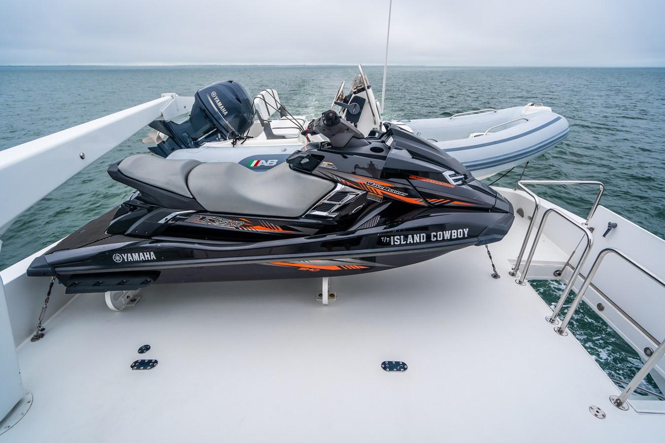 2011 HATTERAS Enclosed Bridge Motor Yacht 2679271
