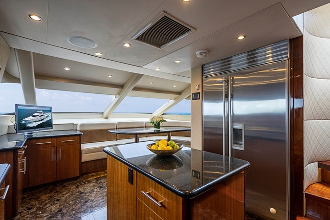 2011 HATTERAS Enclosed Bridge Motor Yacht 2679419