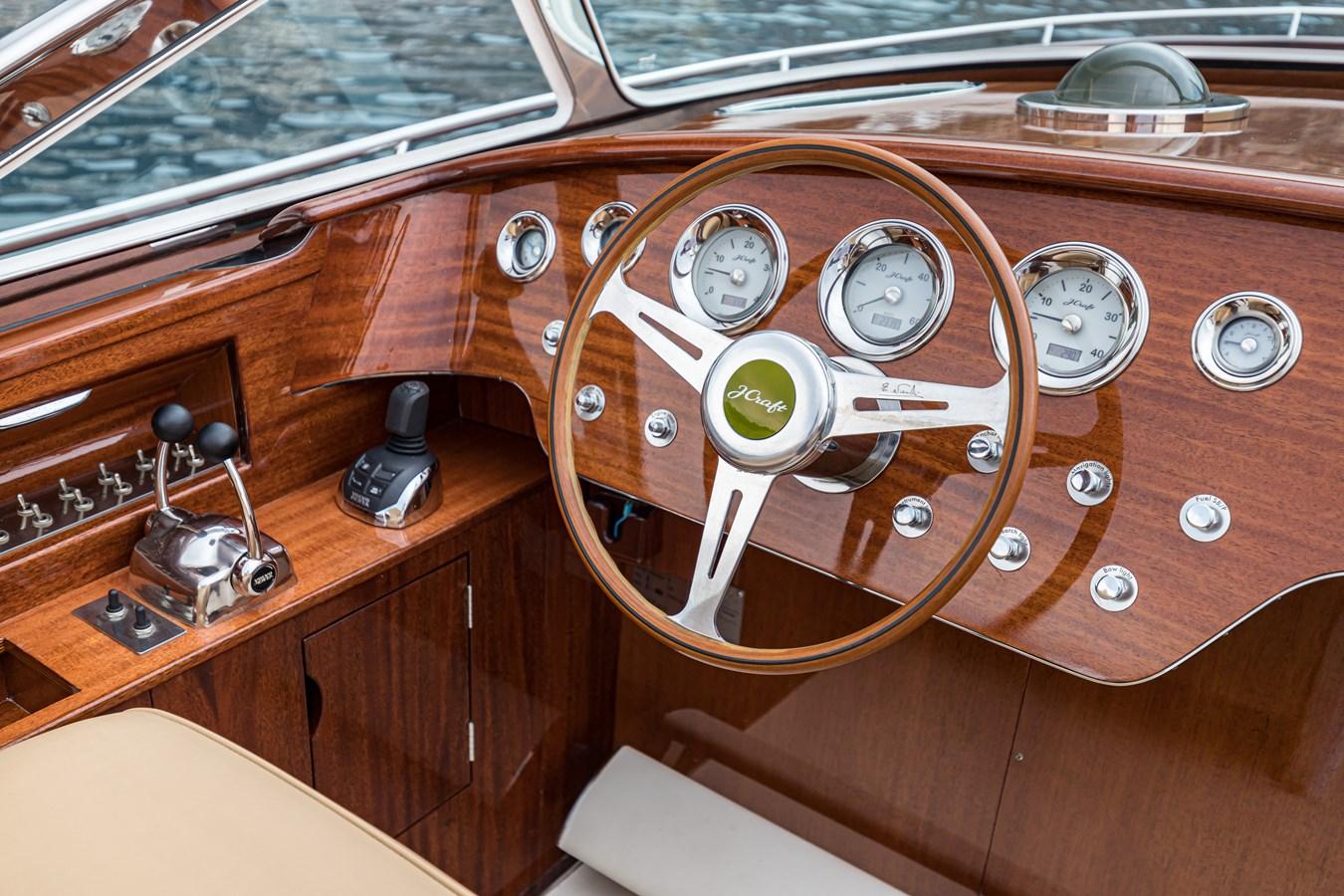 9 2010 J CRAFT Torpedo Motor Yacht 2674005