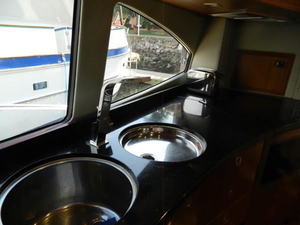 Galley Window, Double Sinks 2003 SUNSEEKER Manhattan 74 Motor Yacht 2674125