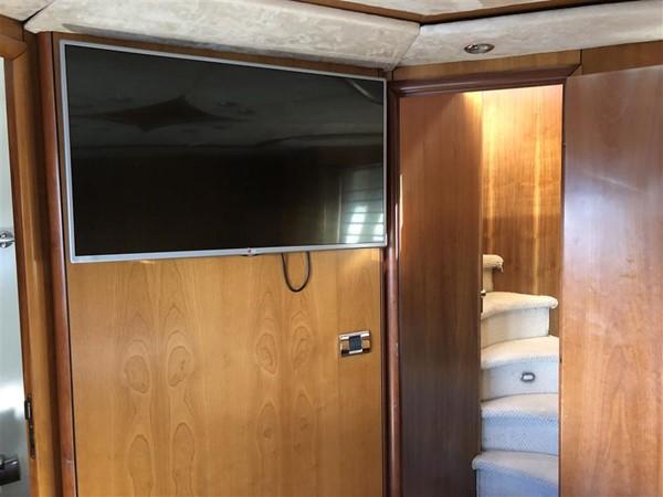 Guest Stateroom TV 2003 SUNSEEKER Manhattan 74 Motor Yacht 2674139