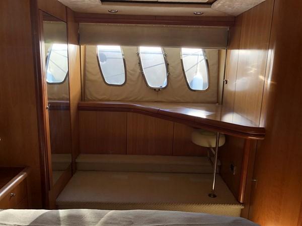 Guest Stateroom Windows 2003 SUNSEEKER Manhattan 74 Motor Yacht 2674140