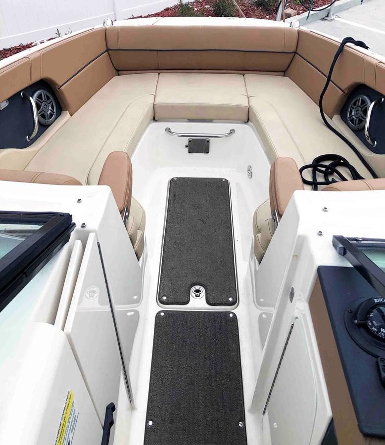 2015 SEA RAY 240 SunDeck Deck Boat 2674200