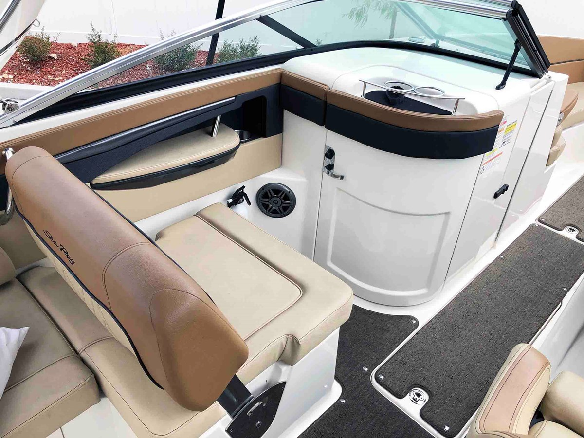 2015 SEA RAY 240 SunDeck Deck Boat 2674201
