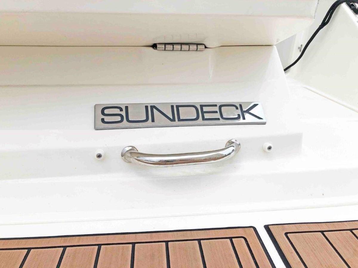 2015 SEA RAY 240 SunDeck Deck Boat 2674207