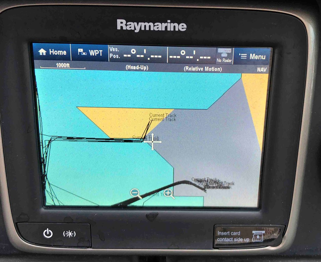 2015 SEA RAY 240 SunDeck Deck Boat 2674225