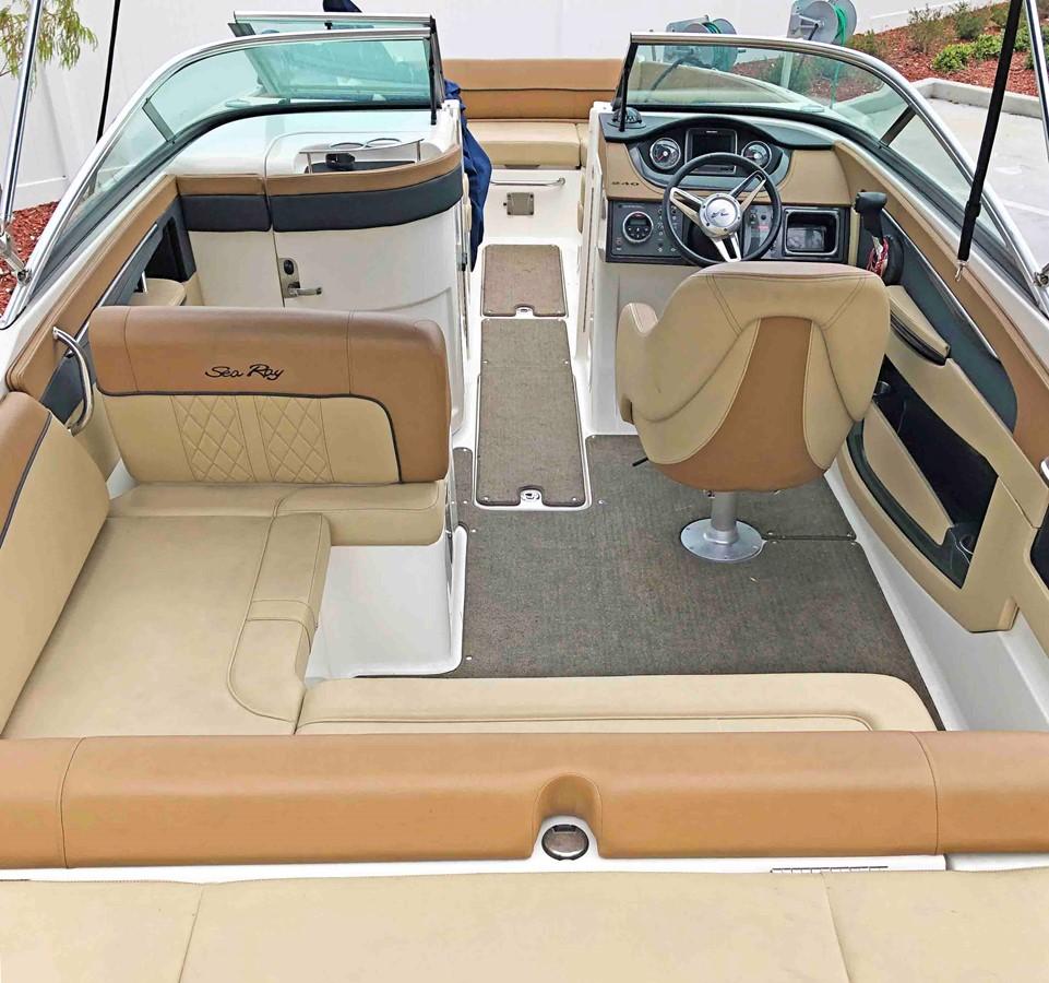 2015 SEA RAY 240 SunDeck Deck Boat 2674240