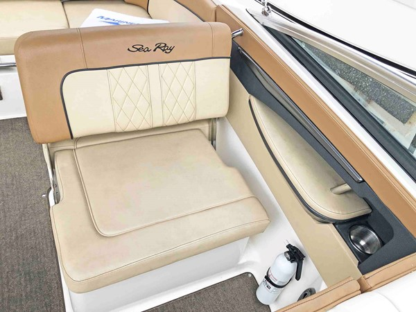 2015 SEA RAY 240 SunDeck Deck Boat 2674202