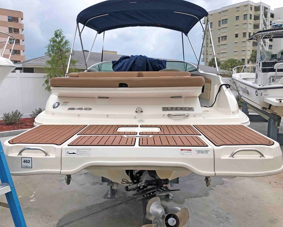 2015 SEA RAY 240 SunDeck Deck Boat 2674209