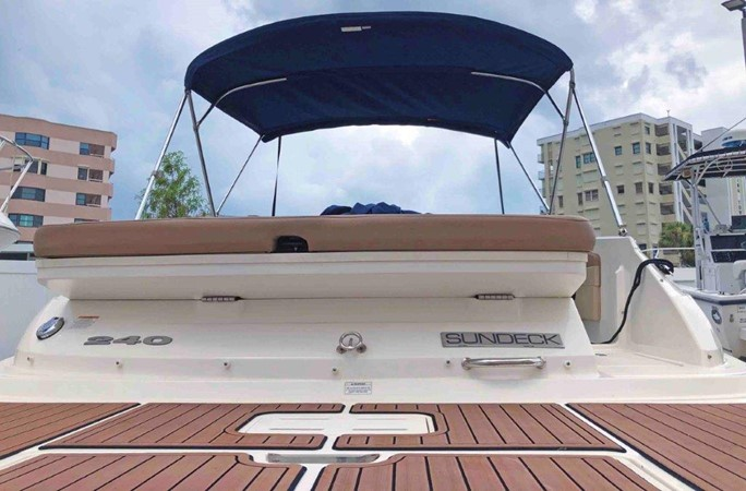 2015 SEA RAY 240 SunDeck Deck Boat 2674210