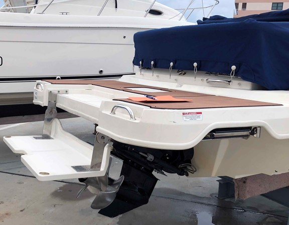 2015 SEA RAY 240 SunDeck Deck Boat 2674211