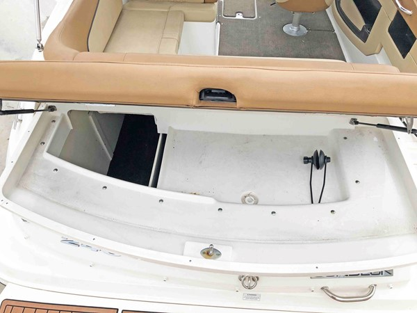 2015 SEA RAY 240 SunDeck Deck Boat 2674238