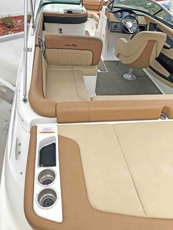 2015 SEA RAY 240 SunDeck Deck Boat 2674241