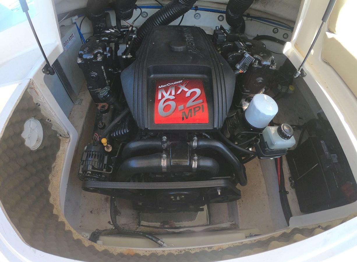 Mercruiser 6.2L Engine  2001 SEA RAY 240 Sun Deck Deck Boat 2674766